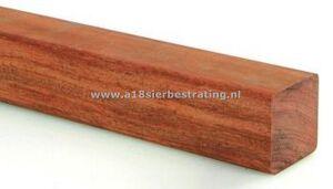 Geschaafde hardhout paal 6,8x6,8x250cm